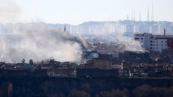 تركيا: ارتياح سكان حي سور بعد إعلان وقف العمليات العسكرية
