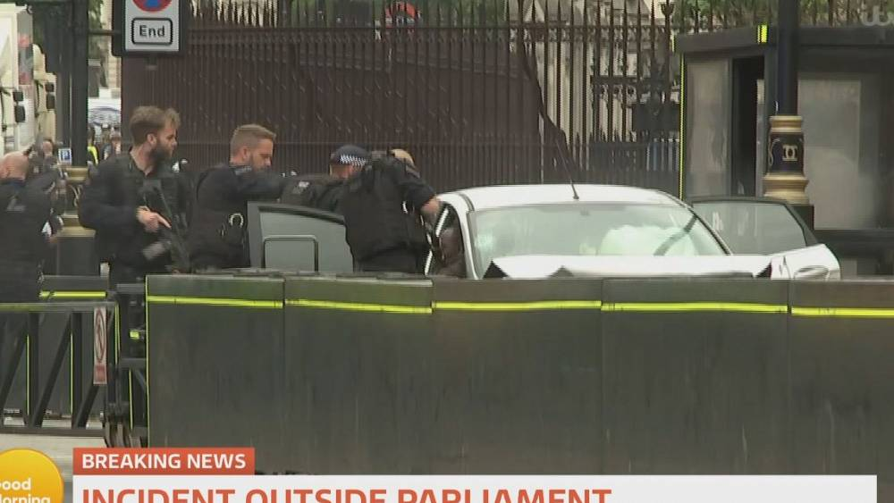 Car crashes into barrier outside Britain's Parliament; pedestrians hurt