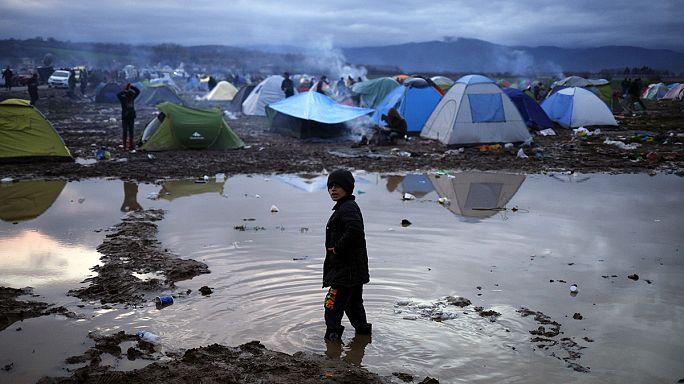 Греция: мигранты продолжают прибывать, но не могут пройти дальше на север