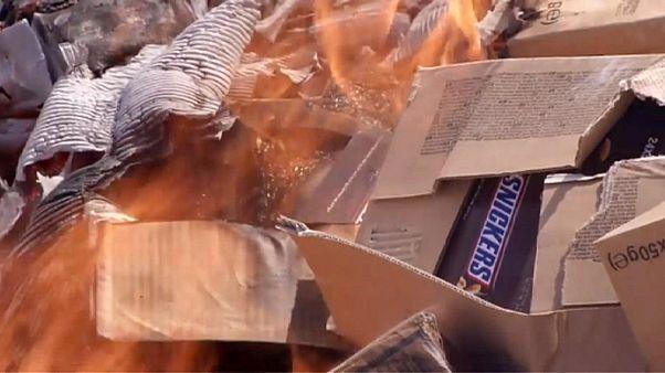 Gaza: bruciate 15 tonnellate di barrette di cioccolato