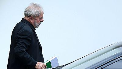 Brasile: chiesto l'arresto preventivo dell'ex presidente Lula per riciclaggio