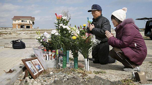 Cinq ans après, l'hommage des Japonais aux victimes du tsunami et de la catastrophe nucléaire