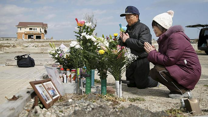 Fukuşima'da hayatını kaybedenler anılıyor