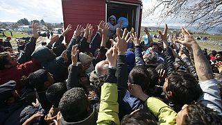 La situación se recrudece en Idomeni, donde al menos hay 12.000 refugiados bloqueados