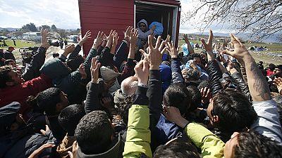 Crise Migrantes: Milhares em Idomeni sobrevivem em condições sub-humanas