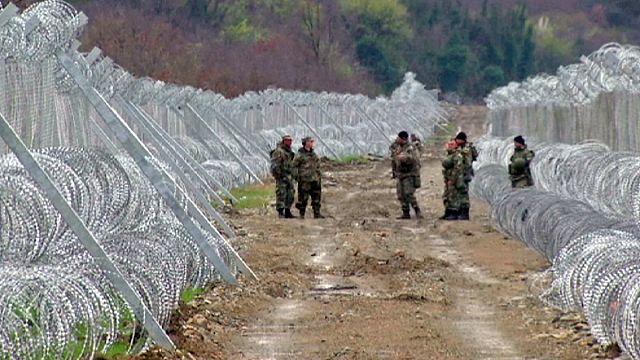 Greek-Macedonian border 'not closed' says president