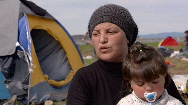 Идомени. Женщины с детьми теряют надежду