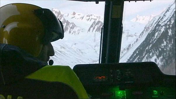 Лавина похоронила 6 альпинистов в итальянских Альпах
