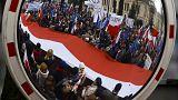 بولندا:مظاهرات لحل الأزمة السياسية الحالية بين الحكومة والمحكمة الدستورية