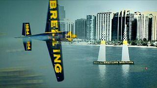 Fixer Flugzeug-Franzose gewinnt Air Race in Abu Dhabi