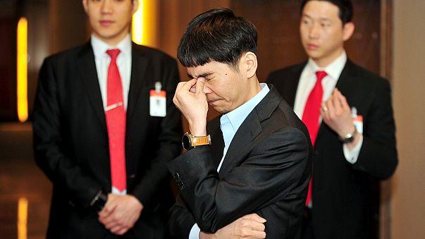 Striking back against the machine: Korean Go player beats Google programme