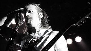 EODM-Sänger entschuldigt sich für Vorwürfe an Bataclan-Security
