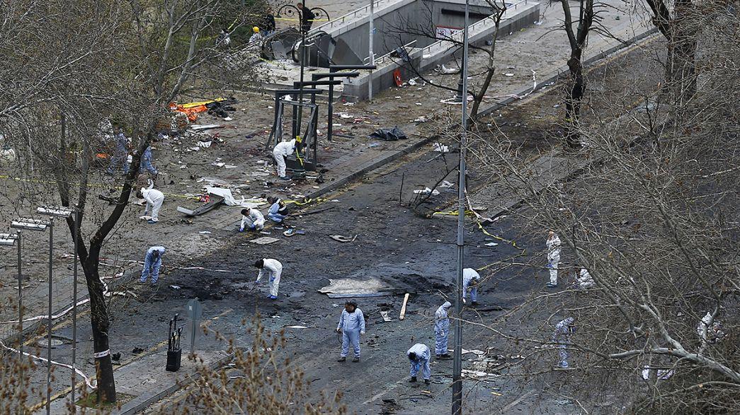 Autobomba ad Ankara: aumenta numero vittime. Una donna fra i kamikaze