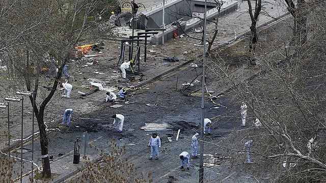 Турция: взрыв в Анкаре унес жизни 37 человек