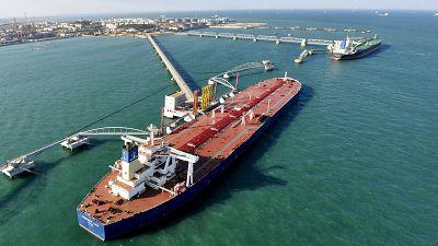 Timide baisse de la production pétrolière ( Agence internationale de l'énergie)
