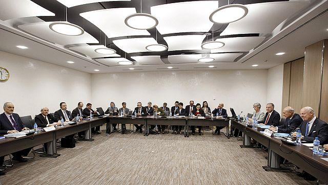 انطلاق مفاوضات جديدة حول سوريا بالتزامن مع هدنة هشة على الأرض
