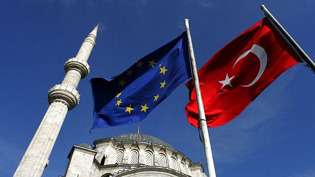 AB ile Türkiye sığınmacı krizi konusunda anlaşabilecek mi ?