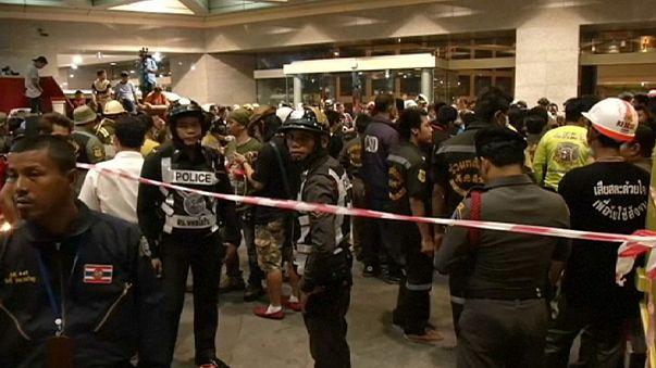 Mueren ocho personas en un banco tailandés por un error del sistema antiincendios