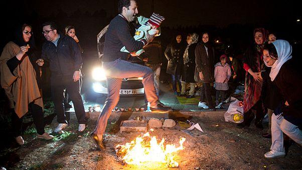 چهارشنبهسوری: استقرار آتشنشانان در تهران و فتوای خامنهای