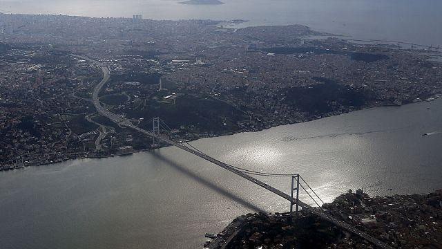 Bombalı araç ihbarı üzerine kapatılan Boğaziçi Köprüsü yeniden ulaşıma açıldı