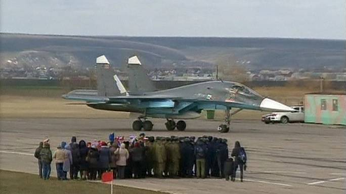 Hazatértek Szíriából az első orosz harci gépek