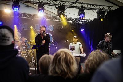 "Jimmie Åkesson plays keyboards at the festival. His band is called Bedårande barn  — or ""Adorable Children"" in English."