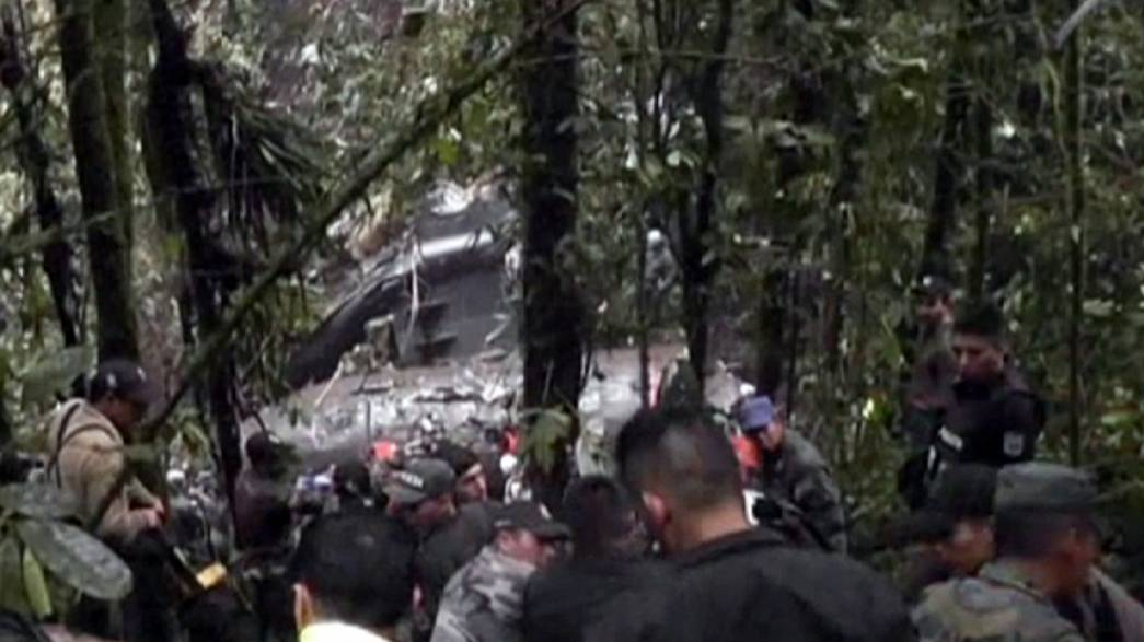 Equateur: 22 morts dans le crash d'un avion militaire