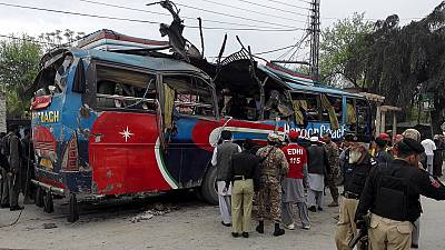 Bus blast kills at least 15 in Pakistan