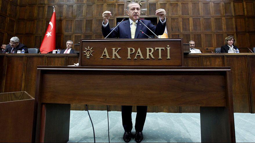 Erdogan macht ernst: Drei Unterzeichner von pro-kurdischer Petition verhaftet