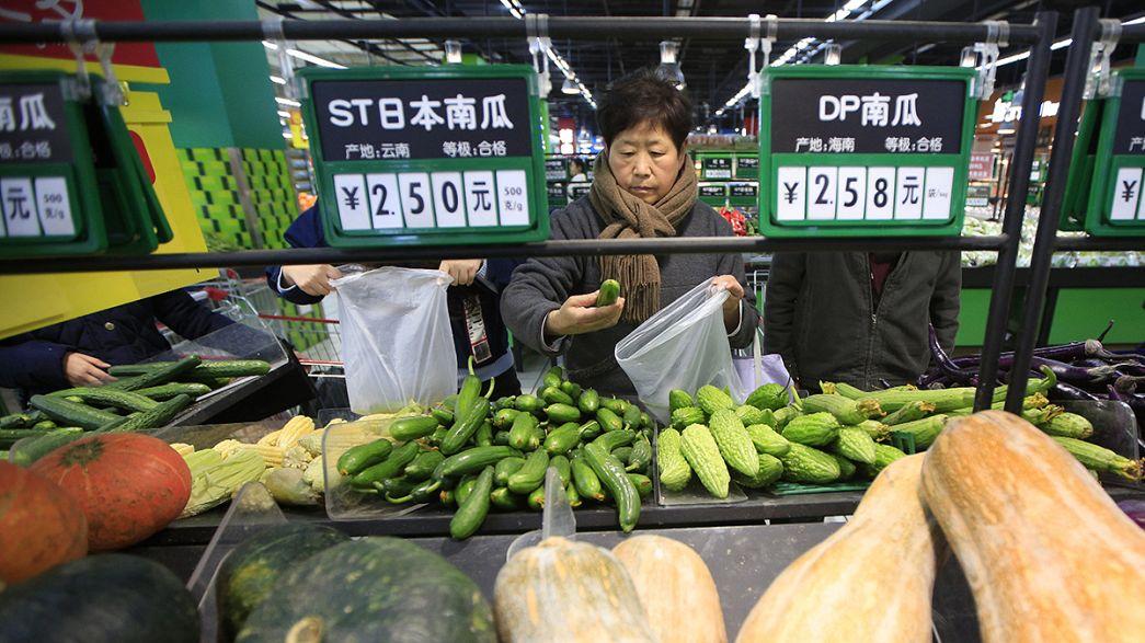 China se somete a reformas económicas para evitar la caída