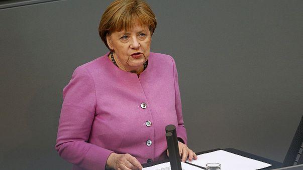 Merkel defiende en el Bundestag el acuerdo con Turquía sobre los refugiados
