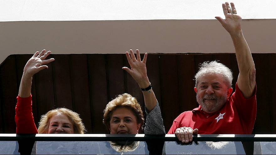 Brasil: Lula da Silva entra no governo e escapa de momento à Justiça