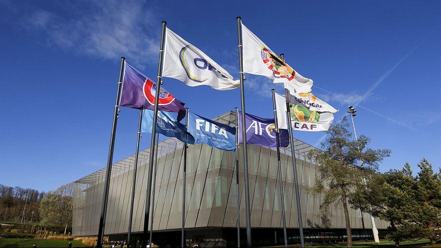 """""""La FIFA veut apparaître désormais comme une victime dans les affaires de corruption"""" (Transparency International)"""