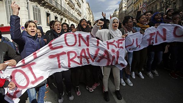 Los sindicatos estudiantiles protestan en París contra la reforma laboral