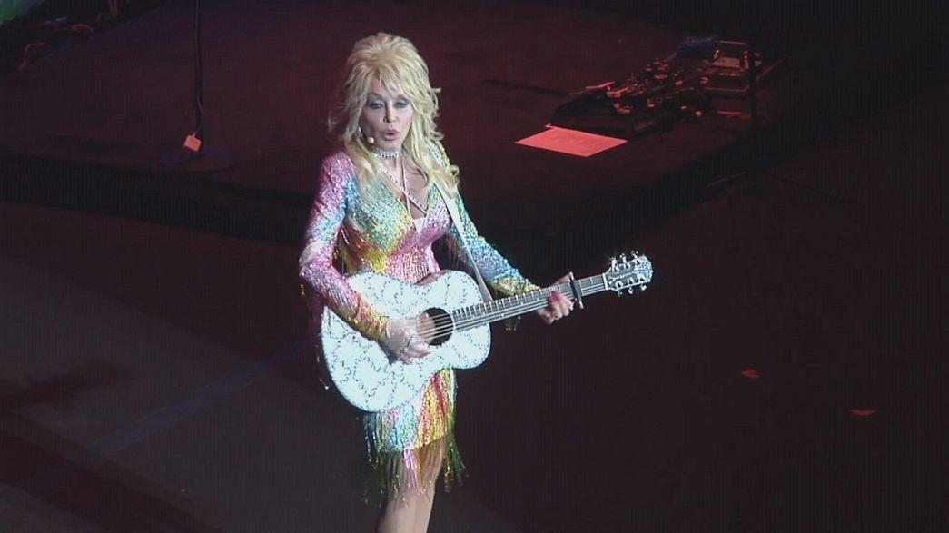 Dolly Parton jobb, mint új korában