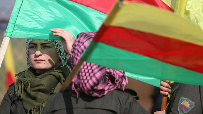 A kurdok bejelentették autonómiájukat Szíriában