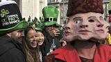 İrlanda St Patrick's Günü için yeşile büründü