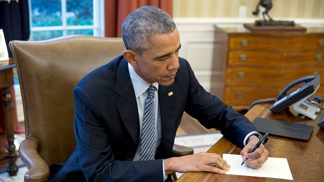 Obama sends letter on first direct US mail flight to Cuba