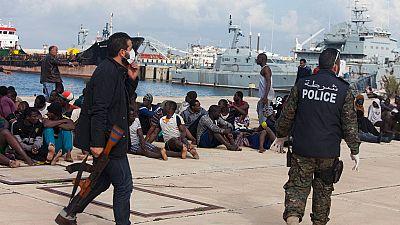 Une centaine de migrants clandestins interceptés en Libye