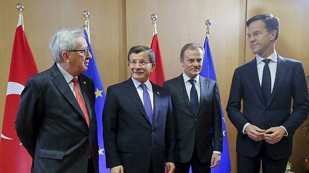 Turquia participa na segunda jornada da cimeira sobre a questão migratória