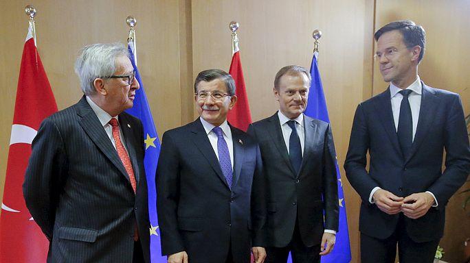 Davutoğlu: 'Mülteci meselesi Türkiye için pazarlık konusu değildir'