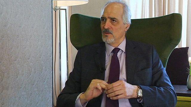 """Le négociateur de Damas dénonce les """"mercenaires achetés par les sales dollars des pays du Golfe pour détruire la Syrie"""""""