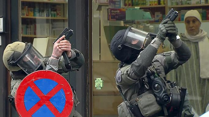 Brussels anti-terror raid triggers tension in Molenbeek