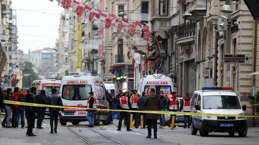 Mindestens fünf Tote bei Selbstmordanschlag in Istanbul