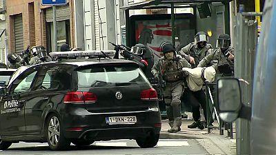 Detenção de Abdeslam: França e Bélgica mantêm luta contra terrorismo no nível máximo