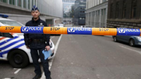 Atentados de Paris: Abdeslam colabora com justiça belga mas recusa extradição