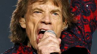 Mick Jagger makes way for Obama in Cuba
