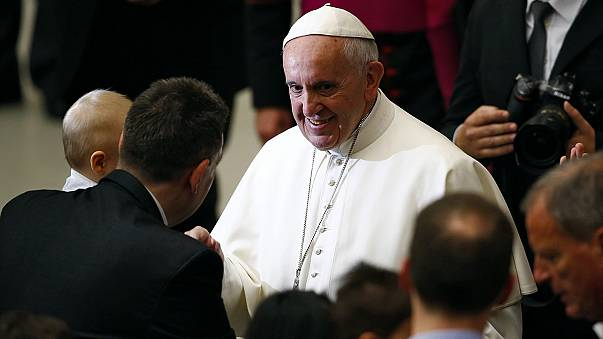Pope Francis proves a hit on Instagram