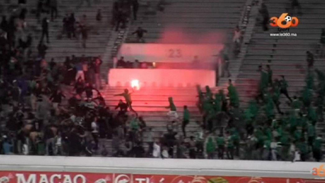 Una batalla campal en un estadio marroquí acaba en tragedia