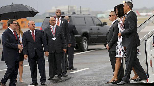 باراك حسين أوباما يحط في مطار هافانا في زيارة تاريخية تدوم 3 أيام